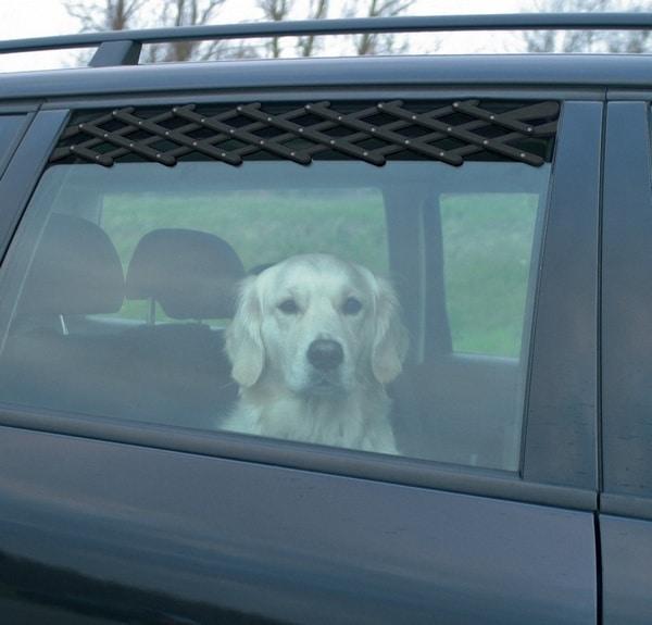 Πρακτικο πλεγμα για παραθυρο αερισμου αυτοκινητου σκυλου της Trixie