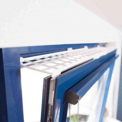 Οι Trixie protective grille - προστατευτικες γριλιες για γατες ανακλισης παραθυρου ανω μερος